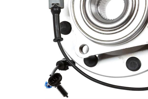 Four Disc Brake Pads, Two Disc Brake Rotors, Two Wheel Bearing and Hub Assemblies - Part # BRAKEPPK00323