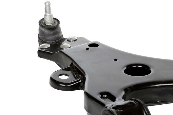 2 Control Arms & 2 Sway Bar Links - Part # SUSPPK01557